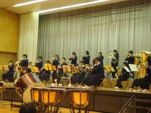飛鳥中学校吹奏楽部ゲスト出演で拍手喝采