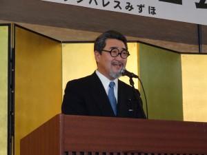 統一地方選後初の県政報告会、緊張の30分講演