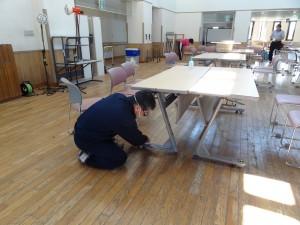 津波被災建物東松島市大曲市民センターの清掃作業ボランティア