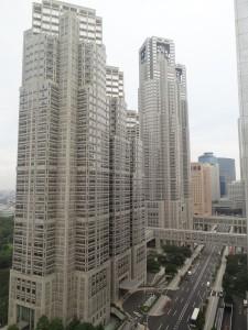新宿ワシントンホテル19階から眺める東京都庁舎