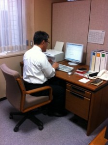議会執務室に新しいPCを設置しました
