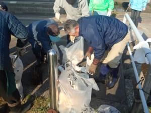 クリーン作戦飛鳥沼周辺ゴミ拾いボランティア
